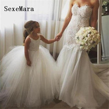 Ivory Puffy Tulle Mother and Daughter Dress Flower Girl Dress Lace Girls Customized Dress Communion Gown for Kids цена 2017