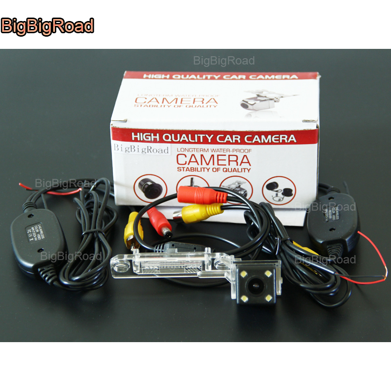 Car RearView Backup camera for VW Volkswagen Jetta Caddy Passat Transporter T5