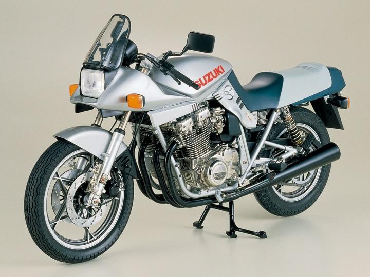 Monte motosiklet modeli 16025 1/6 SUZUKI SUZUKI GSX1100A KATANAMonte motosiklet modeli 16025 1/6 SUZUKI SUZUKI GSX1100A KATANA