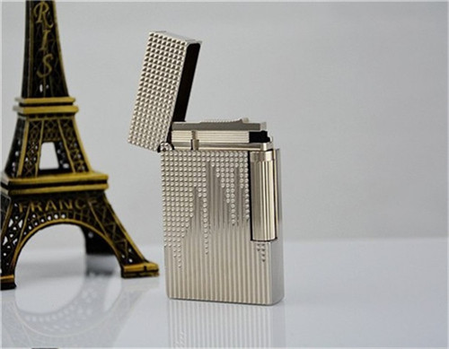 S.T Memorial D upont lighter Bright Sound! New With the Box and Adapter Serial number  T976