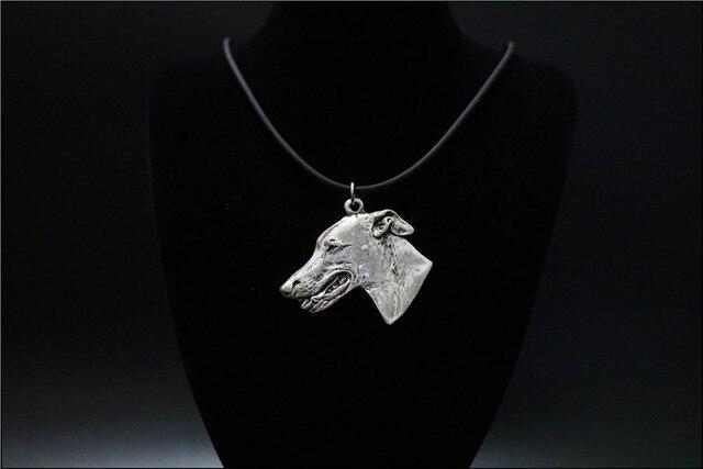Фото ожерелье с изображением собаки колье ручной работы украшения
