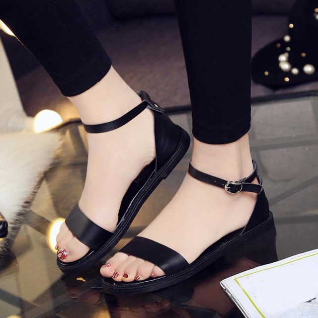 2018 New Women Summer Sandals Fashion Flat Sandals Comfortable Ladies  Outdoor Solid Flats Sandals female shoe f2d179b55397