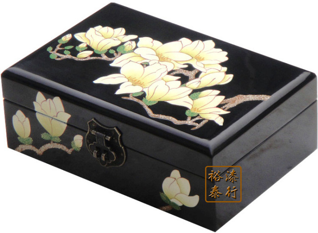 Retro Clic Wooden Chinese Specialty Pingyao Push Light Lacquer Jewelry Box Storage Wedding Gift