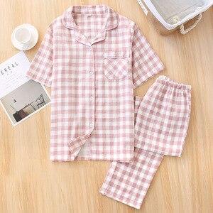 Image 4 - Пижамный комплект для мужчин и женщин, новинка весны, сетчатая хлопковая клетчатая одежда для сна для любимых, простой стиль, короткий рукав + брюки, комплект из 2 предметов, домашняя одежда