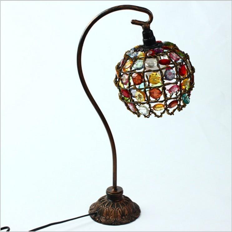 Akrylové retro stolní lampa LED dekorativní stolní lampa evropský nový dům zdobené noční lampičky ložnice svatební dar