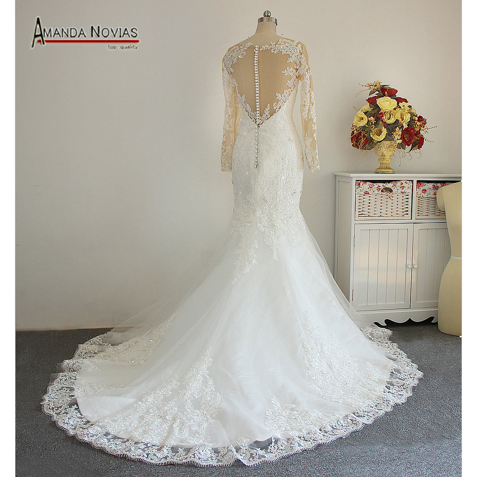 Brazilian bride covered neck income lace appliqued pearls for Lace wedding dress with pearls