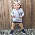 Lo nuevo de Los Bebés Casual Sudaderas Sets Lindo Carta de Impresión Con Capucha + Lace Up Casual Pantalones Largos 2 unids Juegos Del Otoño Del Bebé ropa