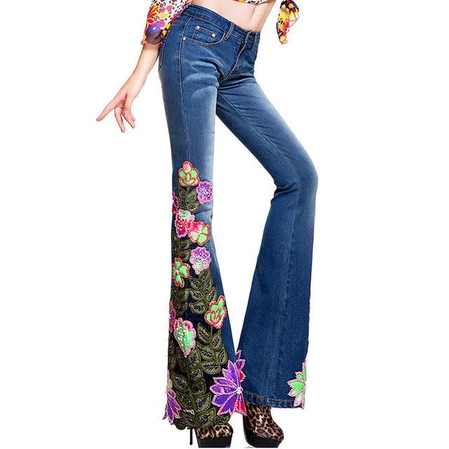 Mujeres del resorte de la tendencia nacional de lujo colorido abalorios bordados bengalas Jean bordado femenino flores de corte para botas mezclilla parte inferior de campana