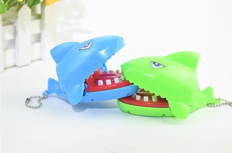 LeadingStar Creative Press Tooth Bite Finger Shark Novelty Prank Toy April Fools Day Mischief Gift Color Random