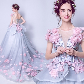 New Collection High Grade Popin Exquisite Flowers Decorated Unique Trailing Wedding Gown + Free Petticoat 185