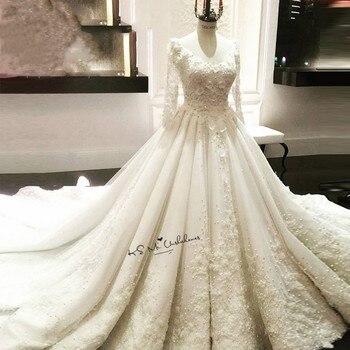3b9f7245a Vestido Branco de Noiva de lujo princesa vestidos de novia de manga larga  de encaje China vestidos de novia perlas flores 3D Vestido de novia Boda