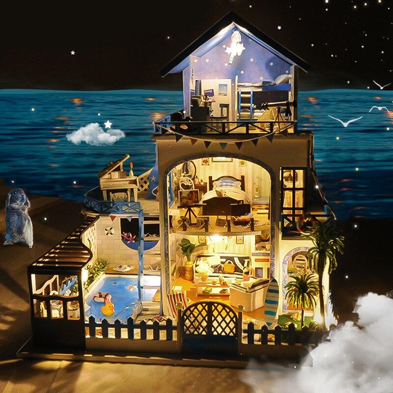 소형에게 해 빌라 인형 집 피아노 수영장 가구 키트 diy 나무 인형 집 led 조명 음악 상자 어린이 생일 선물-에서피규어 & 미니어처부터 홈 & 가든 의  그룹 3