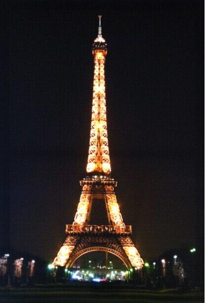 Torre Eifel pintar cuadros en la lona con luz led, estirada y ...
