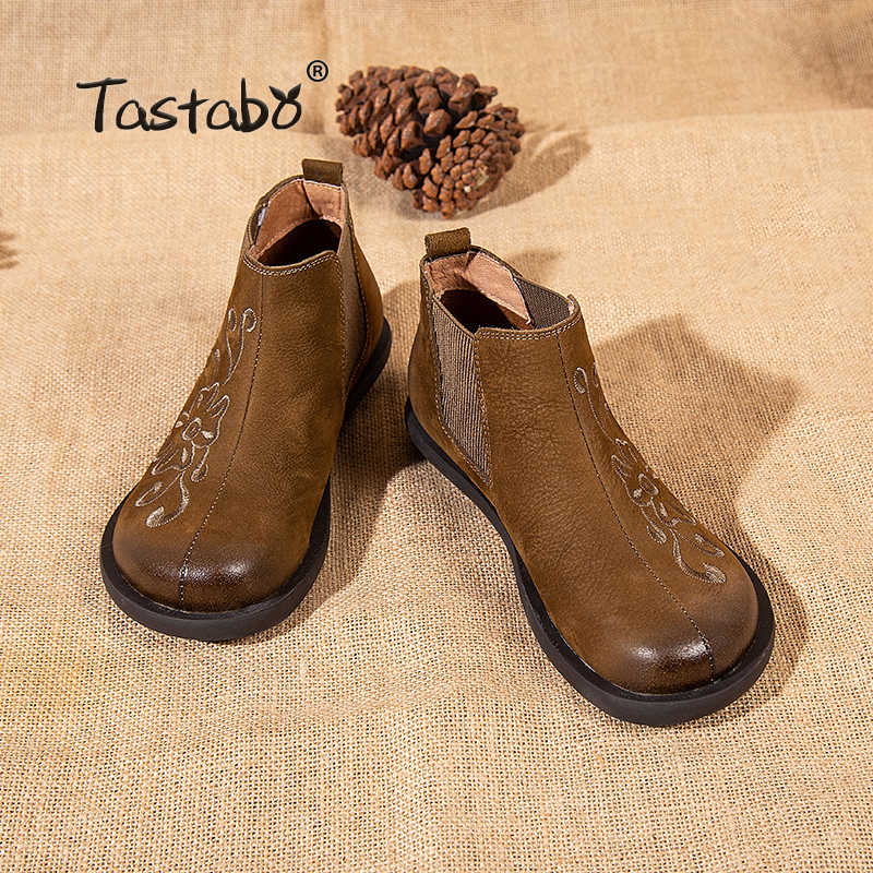 Tastabo yarım çizmeler kadınlar için Retro çizmeler bayan ayakkabıları el yapımı moda yumuşak süet deri Martin ayakkabı düz lastik çizmeler