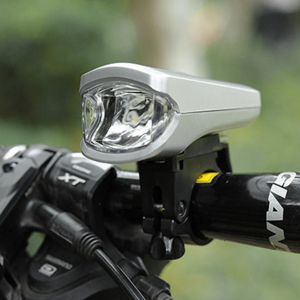 LED Charging Strong Light Bicycle Light New Bike Equippment Bike MTB Accessories with battery