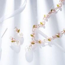 Viennois conjunto de joyas de perlas de fantasía, diseño de flores de oro rosa, collar de perlas y pendientes de imitación, conjunto de joyería para mujer, conjunto de novia