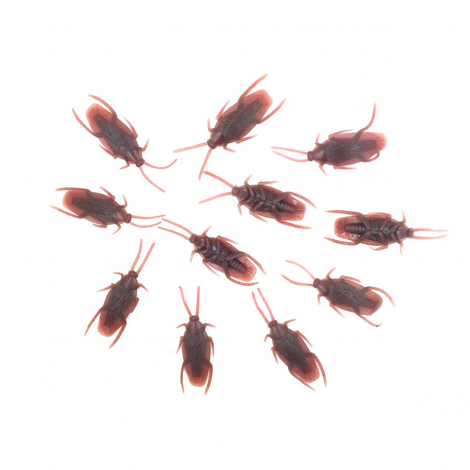 30pcslot tricky novelty toy model simulation fake plastic cockroach special lifelike roaches model halloween funny toys