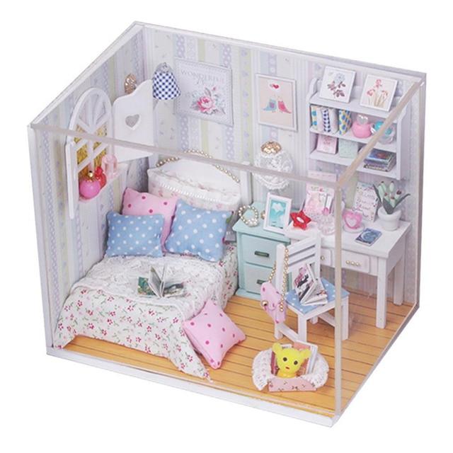 Творческие Наборы DIY Вуд Кукольный Кровать Миниатюрный С LED + Мебель + Крышка 18*8*15 см