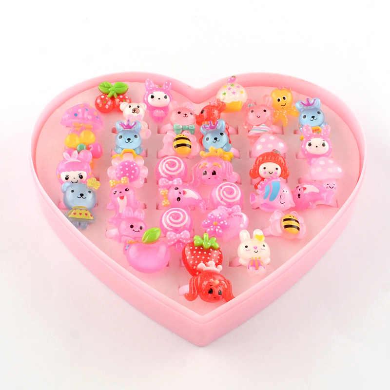 Anillos para dedo con dibujos animados para niños, 100 Uds., caja expositora con corazones y flores de Color caramelo de resina, regalos de cumpleaños para niñas