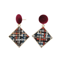 The new earrings female temperament Personality geometric design feeling fashion gold Fine jewellery wholesale