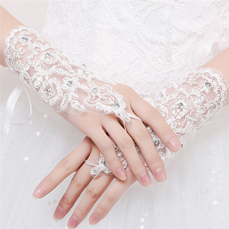 White Ivory Red Short Gloves Wrist Length Fingerless Lace Appliques Sequins Crystal Girl Gloves For Wed Accessories Z3