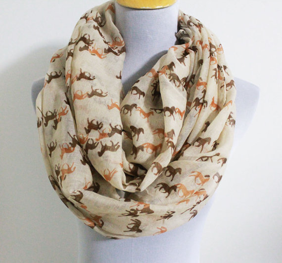 Free Shipping 2018 New Fashion Mini Horse Infinity Scarf Snood Runnning Horse Scarves For Women/Ladies