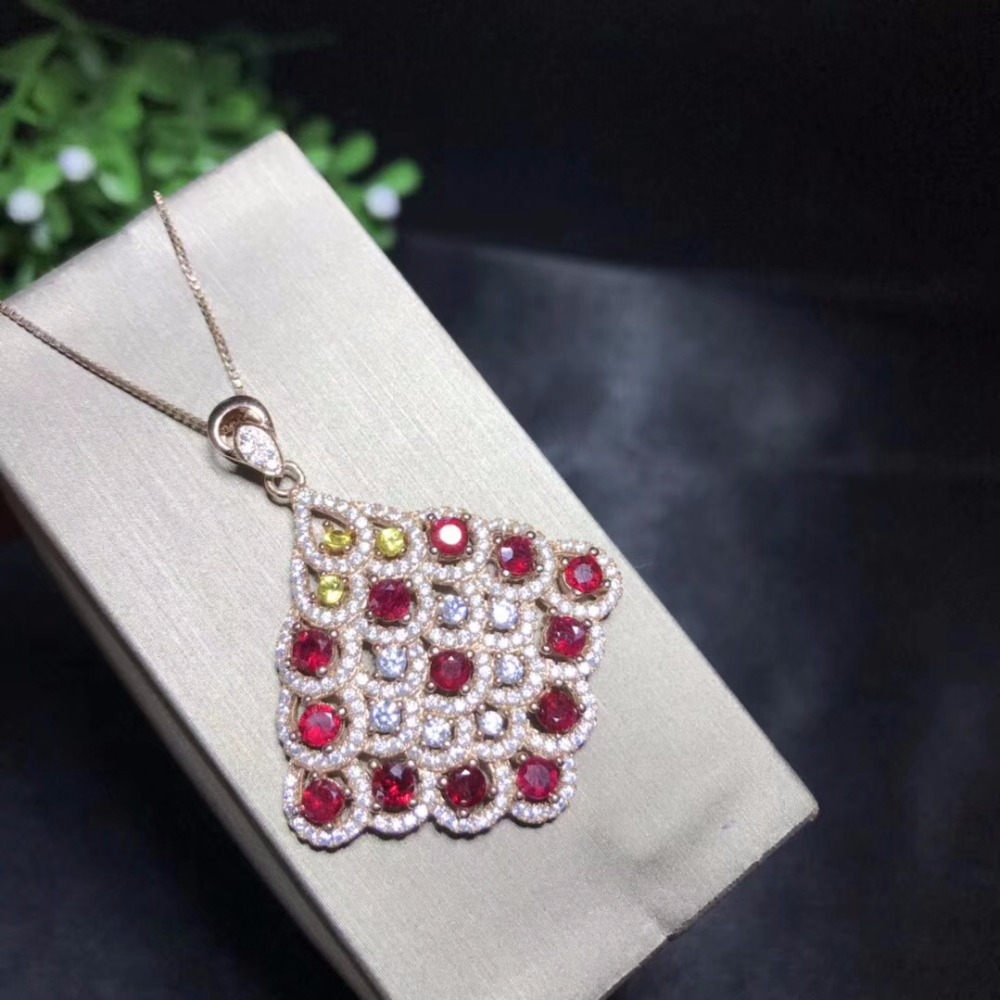 Atmospheric style necklace, natural ruby, dark red color, the latest design popular style, high end color treasure monopoly