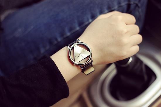 Szkielet zegarek Relogio feminino Trójkąt zegarka kobiet Delikatne przejrzyste pusta skórzany pasek wrist watch quartz dress watch 5