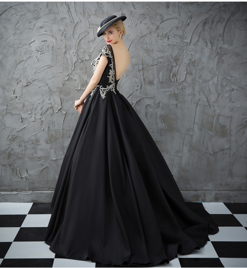 Vintage Gothic Prom Dresses Black Backless Beading Embroidery Long Evening Dress 2019 Evening Party Gowns online clothing store
