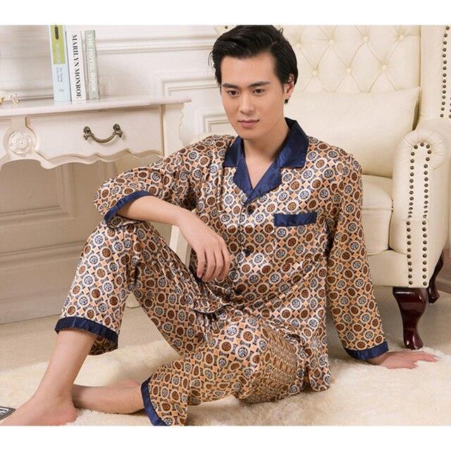 New Men Pajamas Sets Long Sleeve Comfortable Men's Sleepwear V Neck Smooth Male Clothes Set Soft Pajamas 2017 Men Clothing L-2XL