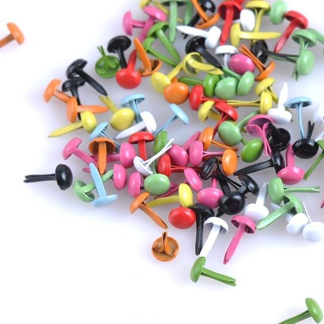 100 sztuk mieszane Multicolor okrągłe metalowe kołki Brads zdobienie sztyfty zapięcia metalowe kołki rzemiosło DIY i kolce cp1114