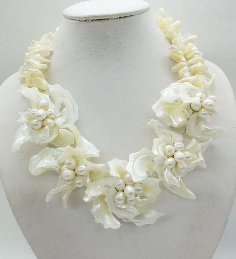 2019 5 29 free shipping Holiday Sale Fashion Flower With Shell Pearl Jewelry Necklace Gift