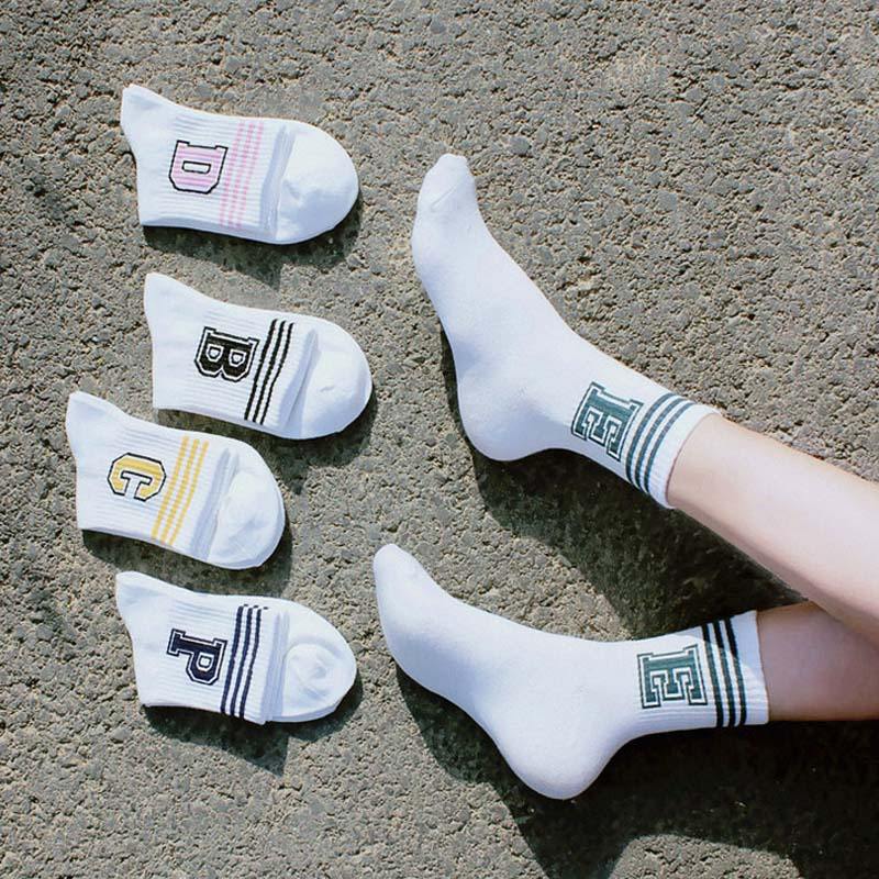 2018 Hot Sale 1 Pair Comfortable High Quality Autumn/Winter Women Ankle Socks Stripe Ventilate Letter Black White Socks