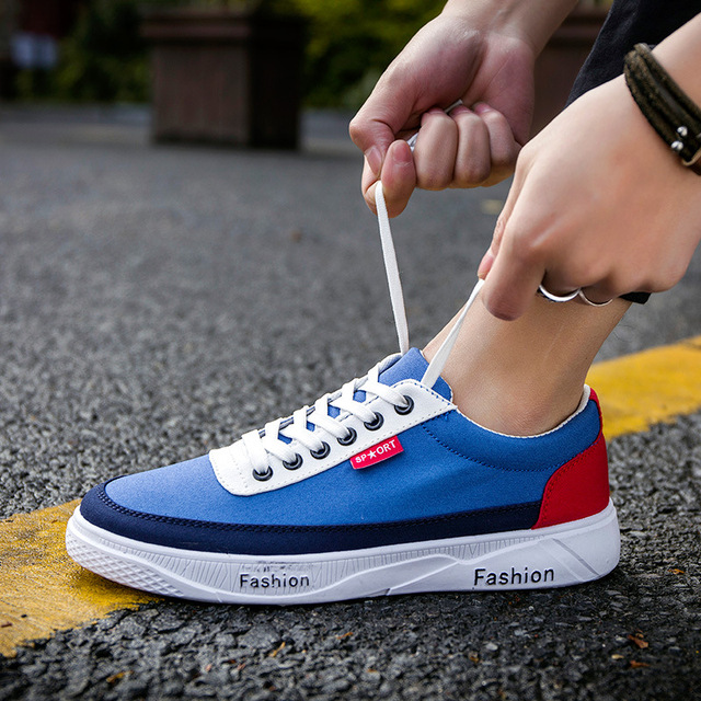 Teen casual shoes