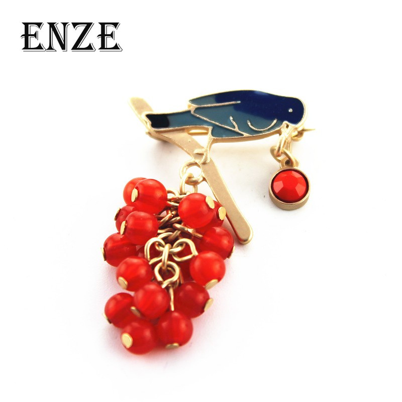 Fashion brooch 2015 New fashion temperament of pure and fresh and contracted joker birds drip grapes brooch for 150122