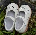 Niñas zapatos auténticos zapatos de cuero blanco rosa mary jane flor recortes para la primavera verano otoño en christenning calidad baratos