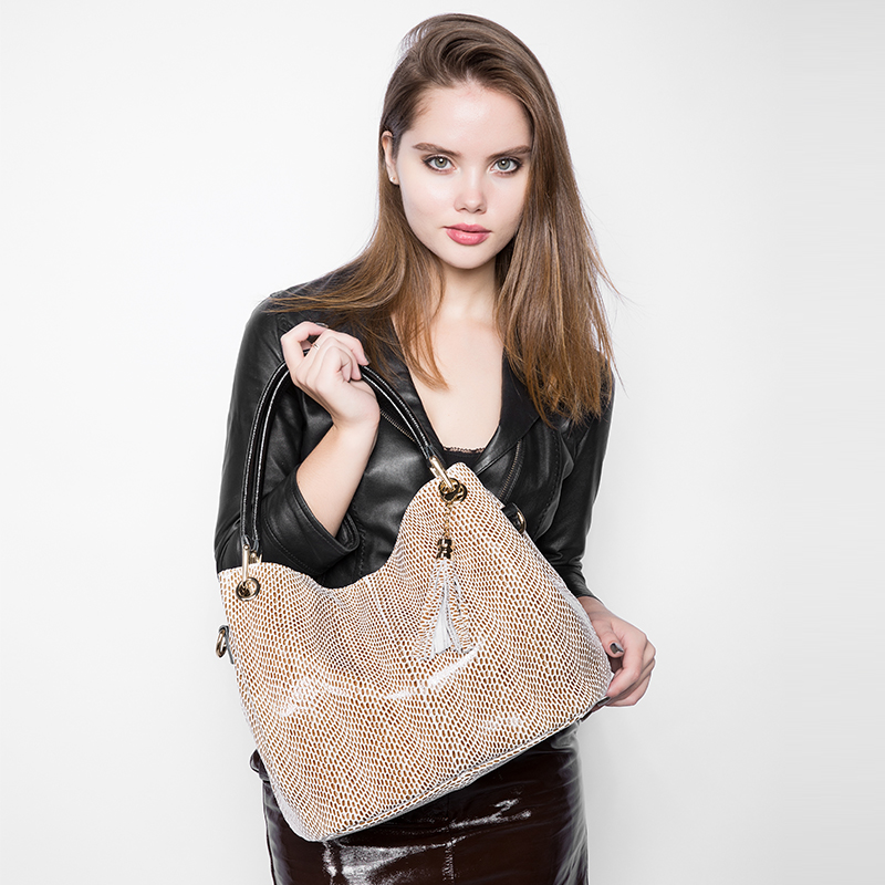REALER Brand New Genuine Leather Bags Fashion Women Tote Bag with Tassel Female Serpentine Pattern Leather Shoulder Bag
