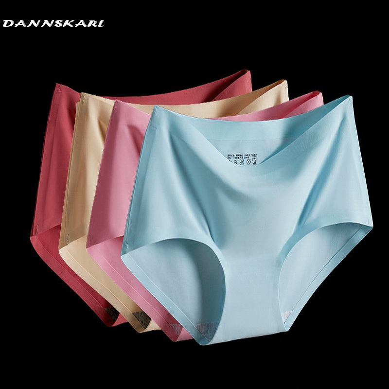 2017 summer The new Women's Panties ice briefs silk Cool and Intimates seamless underwear triangle big yards of female briefs