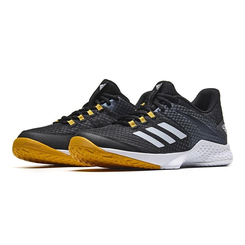 bd2133b68b69 Original Nouvelle Arrivée Adidas adizero club de Tennis pour Hommes  Chaussures Sneakers dans Chaussures de tennis de Sports et Loisirs sur  AliExpress.com ...