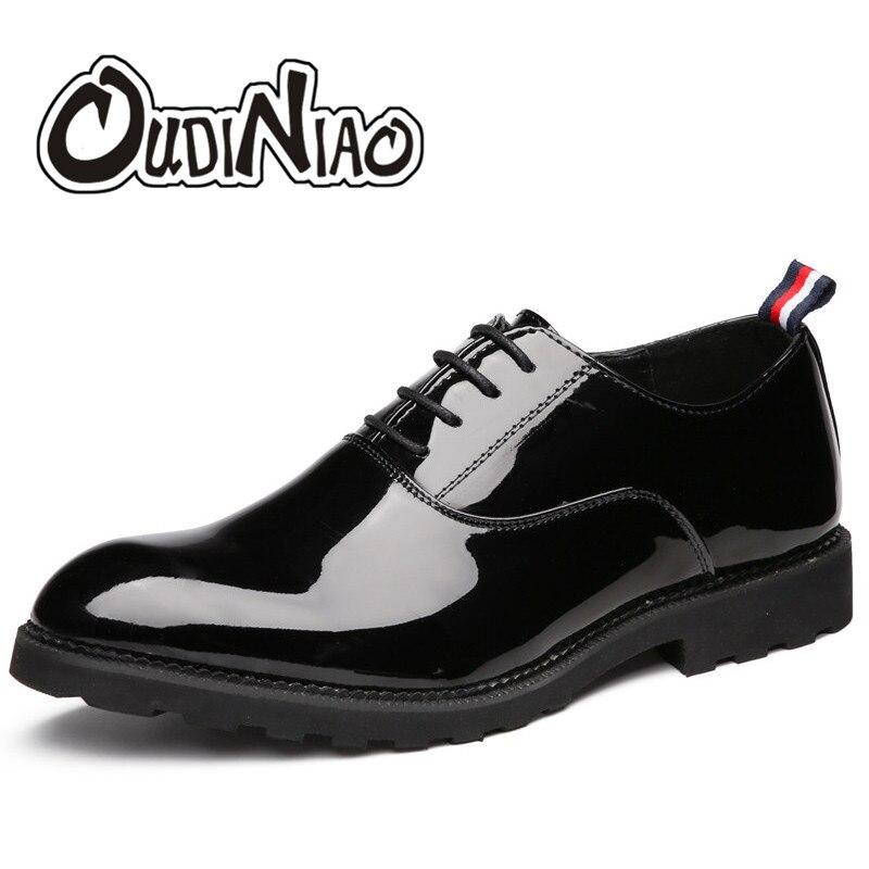 dba57acab Zapatos para Hombre Zapatos casuales tallas grandes superficie brillante de  gran tamaño vestido Casual zapatos de los hombres de lujo negro Oxfords  hombres ...