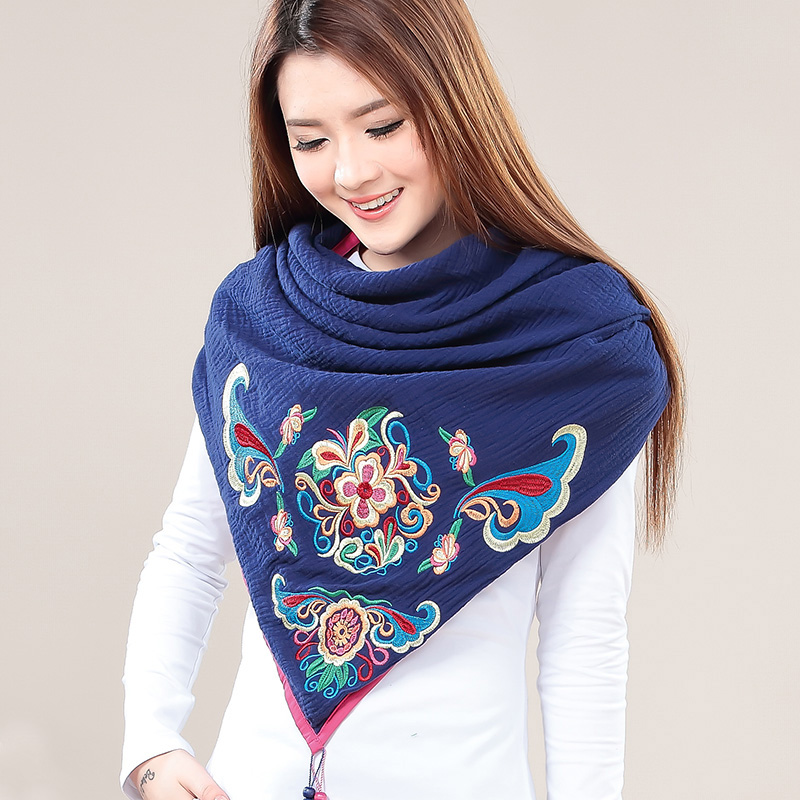 Winter Scarf 2018 Cotton Scarf Women Embroider Blanket Scarf New Designer Triangle Shawls Women Scarves and Wraps Cape Hijab