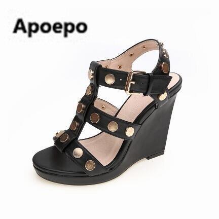 Newest brand 2017 women sandals rivet sandals high heels sandals summer wedges women shoes buckle ladies sandals pumps цена 2017