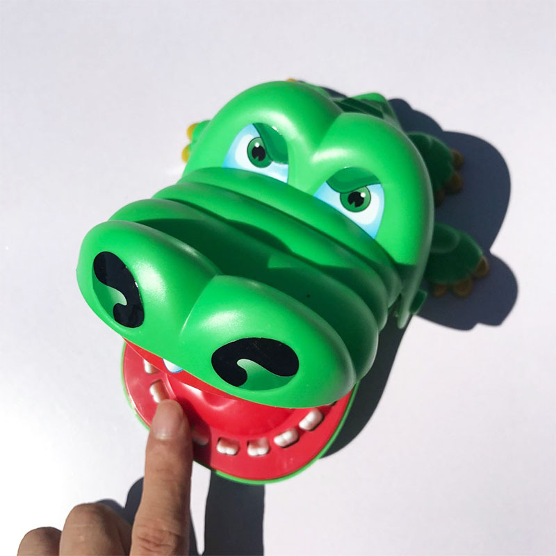 Hot Sale New Creative Crocodile Mouth Dentist Bite Finger Game Funny Gags Toy For Kids Play Fun