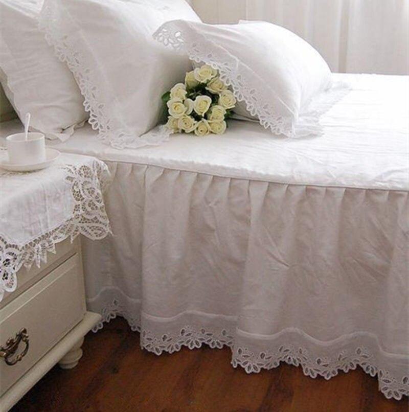 Super Doux Lit Jupe Européenne Fleur Broderie 100% Satin de Coton Couvre-lit Lit Feuille Pour la Décoration De Mariage Élégant Lit Couverture