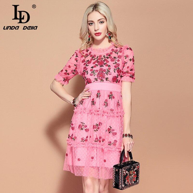 Kadın Giyim'ten Elbiseler'de LD LINDA DELLA 2019 Moda Pist Rahat yaz elbisesi kadın Kısa Kollu Pembe Örgü tatil Parti Zarif Pullu Elbise Vestido'da  Grup 1