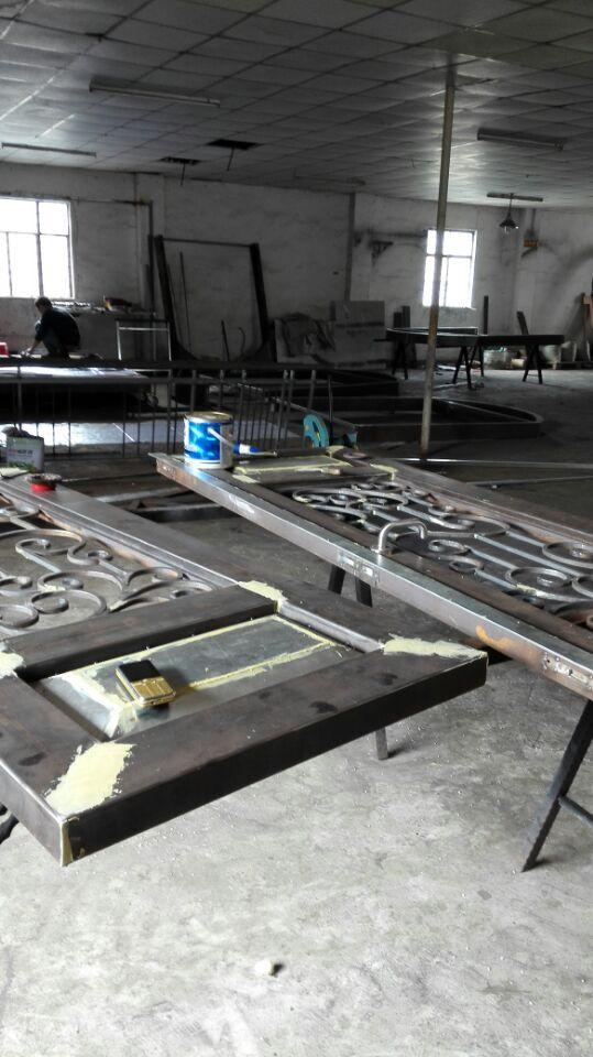 Portes en bois et fer forgé portes avant en bois avec verre et fer forgé - 6