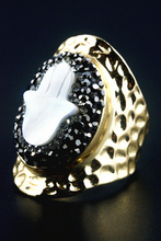 New Arrival! White Shell Pave Setting Women Ring  ! 5 Pieces
