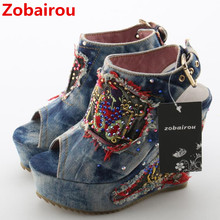 Дизайнерская обувь; летние туфли без задника на высоком каблуке с открытым носком; джинсовые сандалии; Роскошные Брендовые женские ковбойские Ботильоны на танкетке с открытым носком