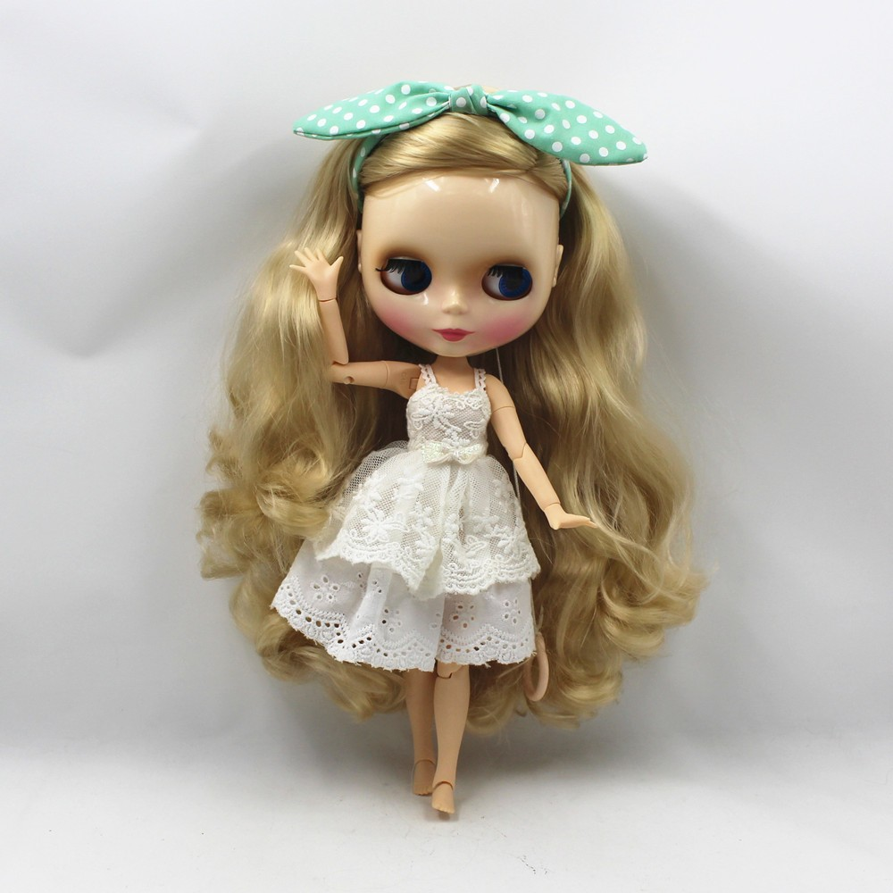 Neo Blythe Doll with Blonde Hair, White Skin, Shiny Face & Jointed Body 4