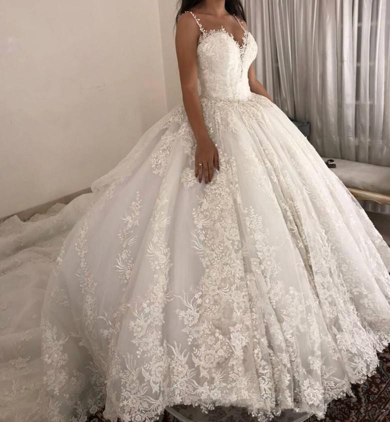 luxury ball gown Wedding Dresses Spaghetti straps Lace Applique Wedding Gowns Sweep Train 2019 Bridal Dresse